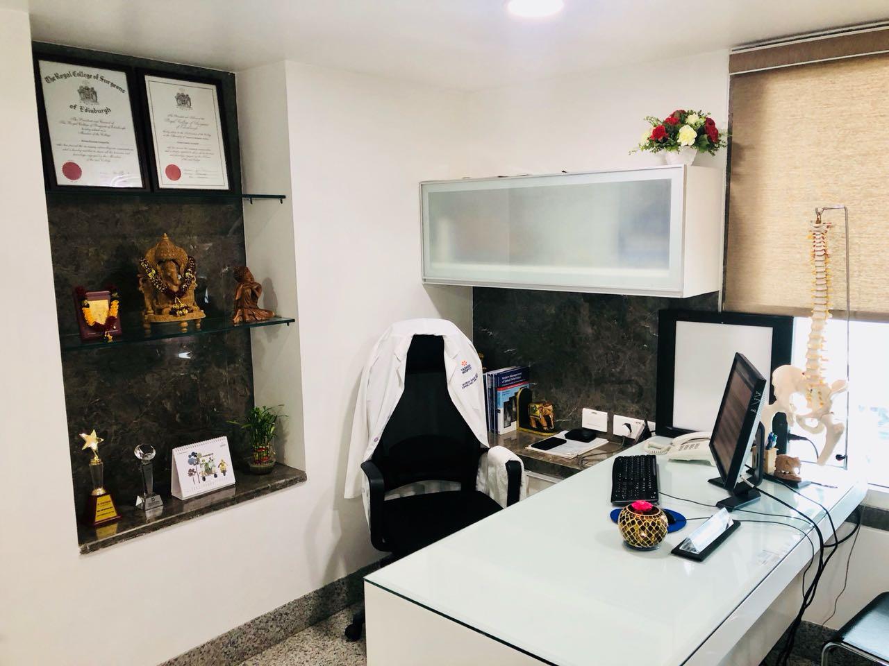 Spine Clinic Dr.Kiran Kumar Lingutla Somajiguda,Hyderabad